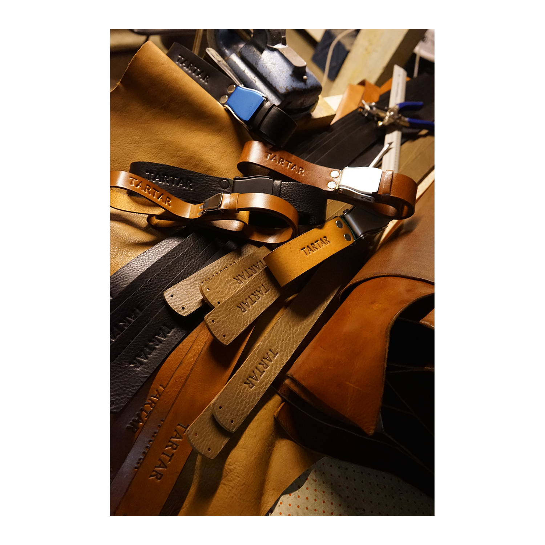 hochwertiges Design online zu verkaufen Wählen Sie für echte TARTAR Belt, Nubuck Brown - Lufthansa WorldShop